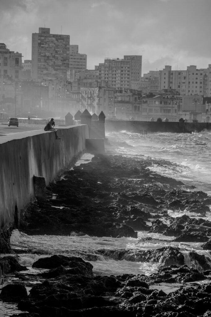 Malecón Contraluz Blanco y Negro-La Havana, Cuba-2014