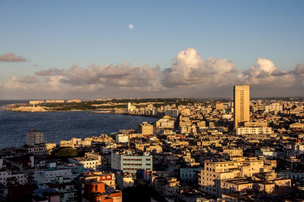 La Havana Panorámica Atardecer Luna-La Havana, Cuba-2014