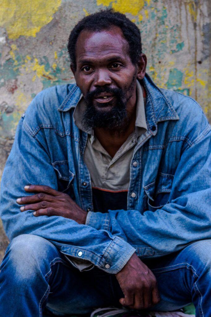 Retrato Hombre sentado-La Havana, Cuba-2014